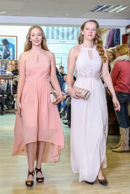 Mode zur Jugendweihe für Mädchen und festliche Kleider