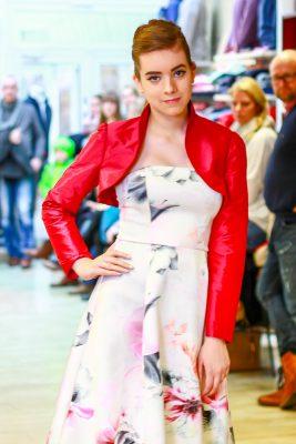 Jugendweihe Outfit für Mädchen und festliche Kleidung